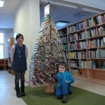 Kalėdų eglutė iš žurnalų Vaikų ir jaunimo literatūros centre